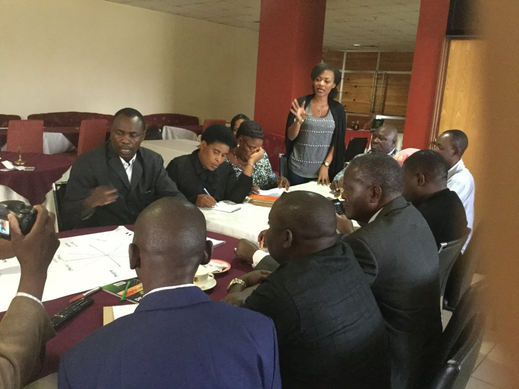 stakeholders-group-discussion